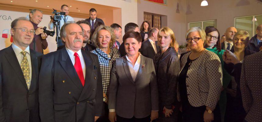 Premier RP Beata Szydło w Polskiej Szkole w Rydze